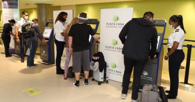В аэропорту PUJ установлен автоматизированный иммиграционный контроль